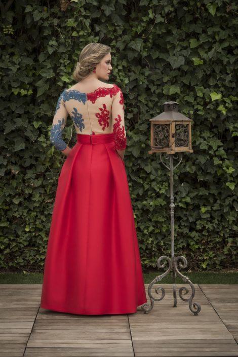 vestido largo con manga rojo