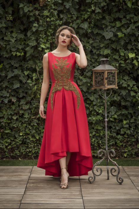 vestido rojo adorno fiesta