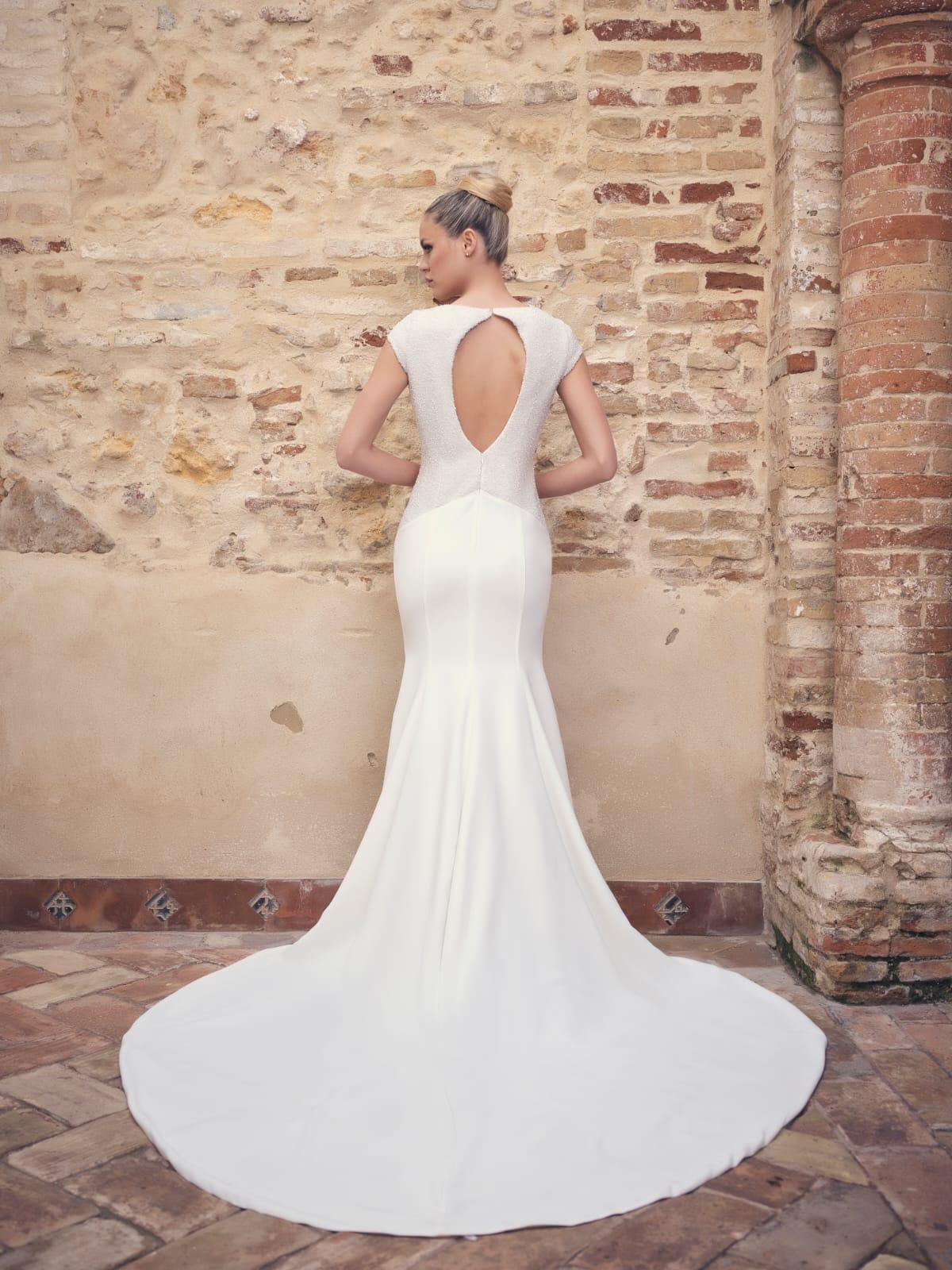 vestido blanco de novia escote espalda