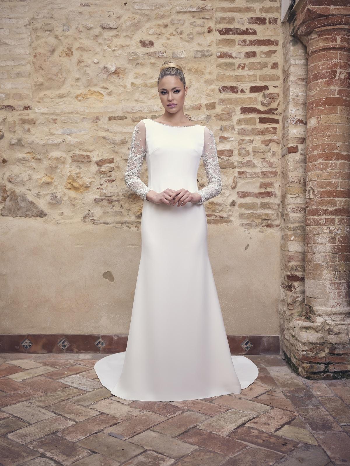 Vestido de novia sencillo con mangas de encaje