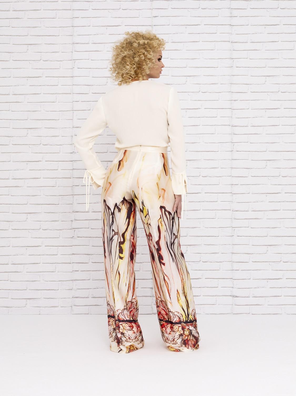 Conjunto de pantalón en tonos tierras