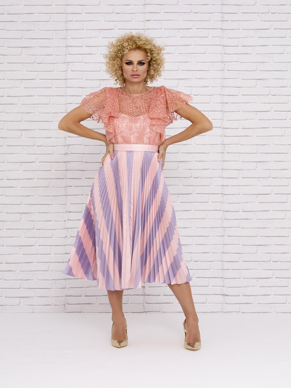 Conjunto de vestir con falda plisada 2020
