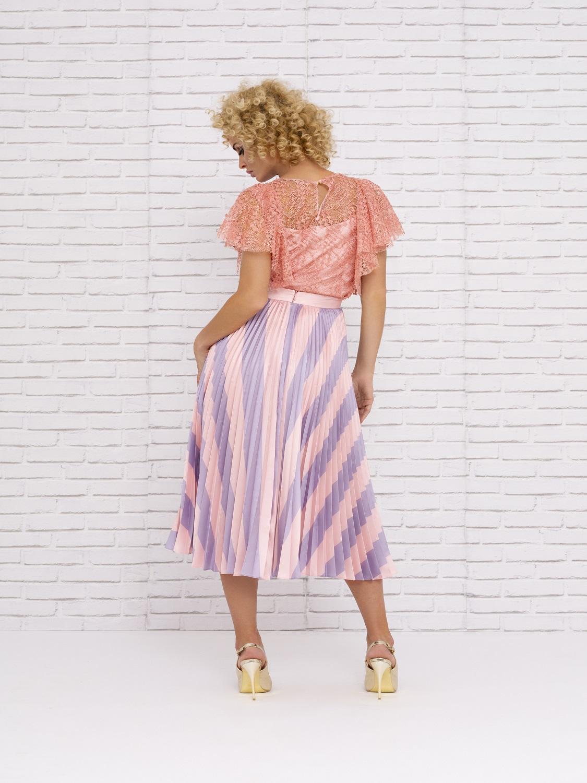 Conjunto de vestir con falda plisada primavera-verano 2020