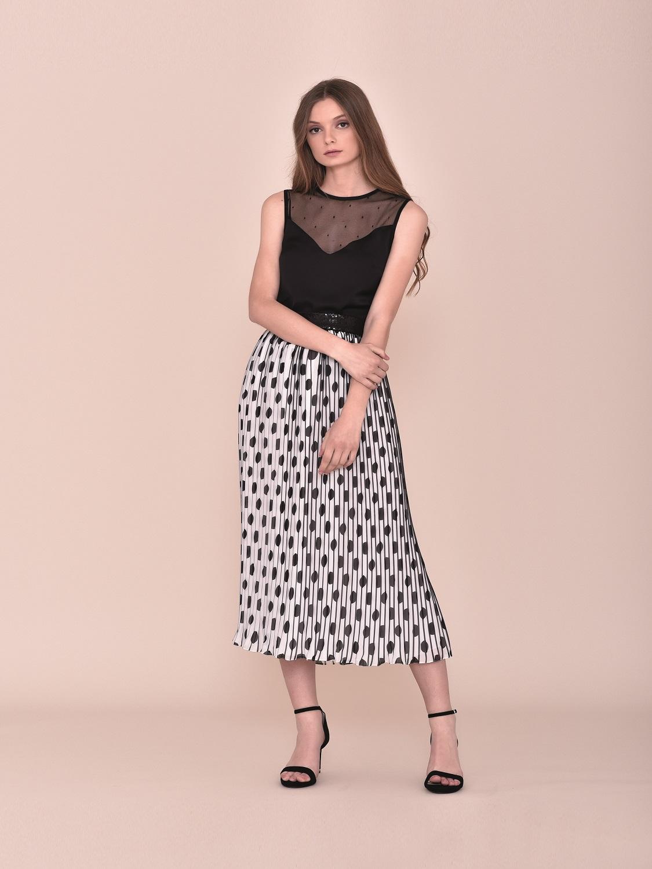 Conjunto falda larga en tonos negros 2020