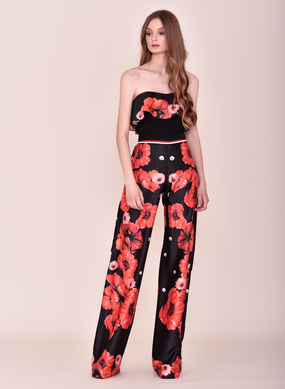 Conjunto pantalón negro y rojo con flores y top palabra de honor comunión 2020