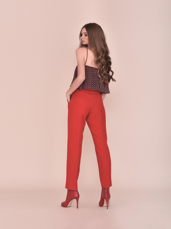 Pantalón rojo con palabra de honor verano 2020