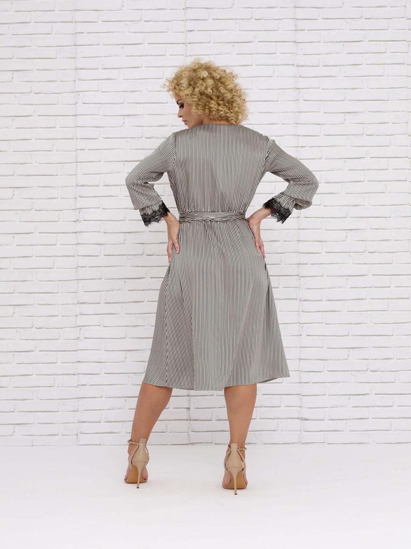 Vestido de Cóctel de con detalles y rayas 2020