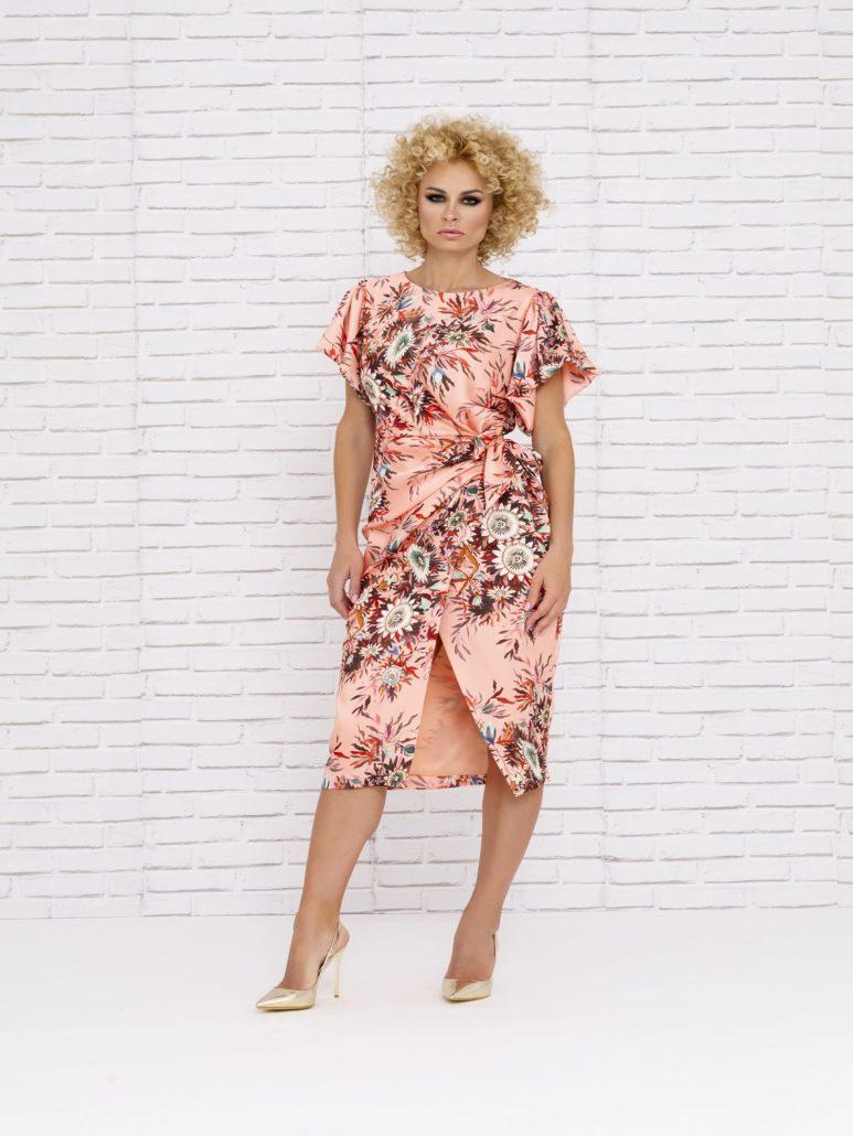 Vestido de mamá de comunión floreado en tonos salmón 2020