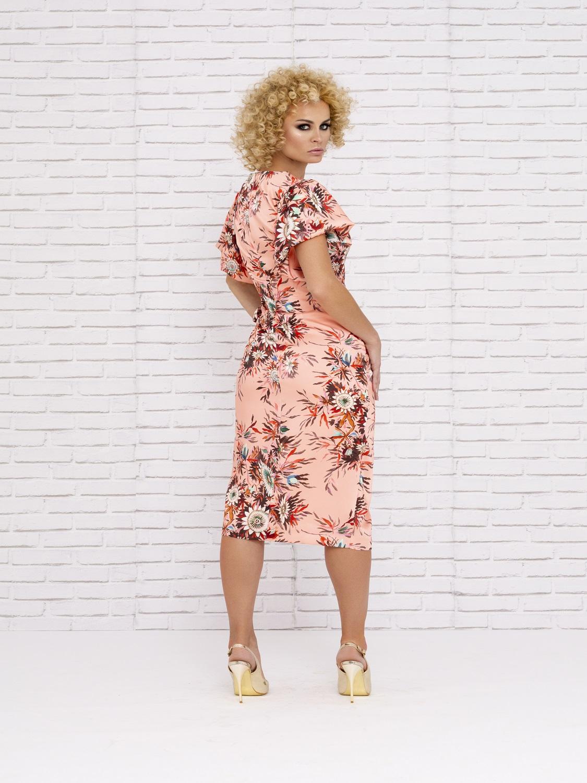 Vestido de mamá de comunión floreado en tonos salmón primavera 2020