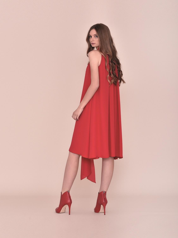 Vestido fiesta juvenil rojo con asimetrías 2020