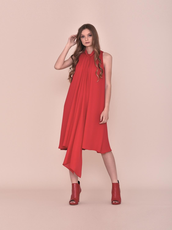 Vestido fiesta juvenil rojo con asimetrías