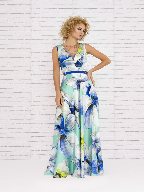 Vestido largo veraniego en tonos azules