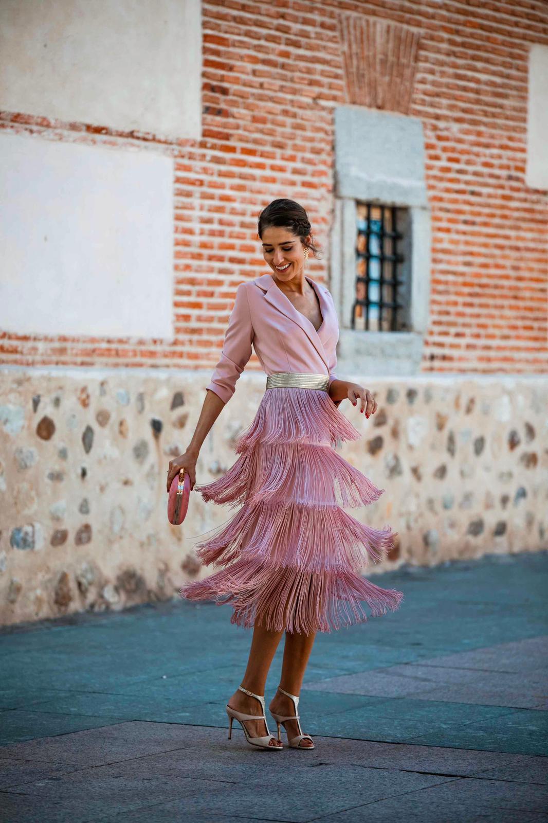 Vestido corto de cóctel para invitadas